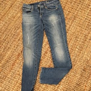 American Eagle Distressed Skinny Jeans 👖